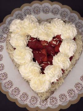 Afbeeldingen van Harde Wener aardbeienhart met slagroom (4 personen)